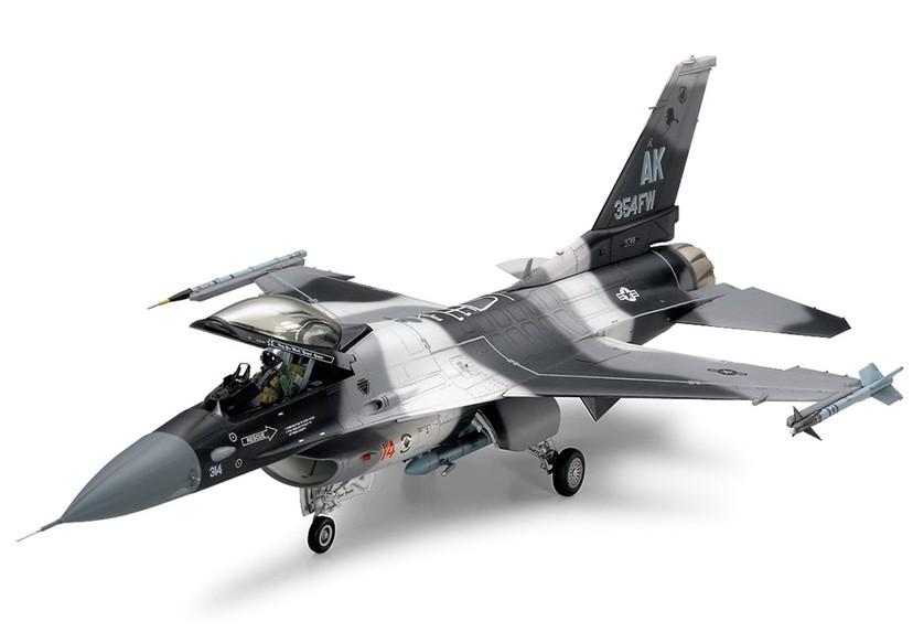 Tamiya F-16C N Aggressor Adversary 1 48 61106